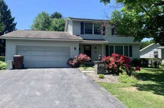 Beautiful Four Bedroom Home in ESM School District – 5831 Coventry Rd. S, East Syracuse